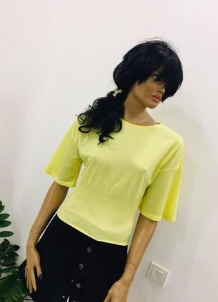 Стильная футболка блуза с объемным верхом и рукавами от zara
