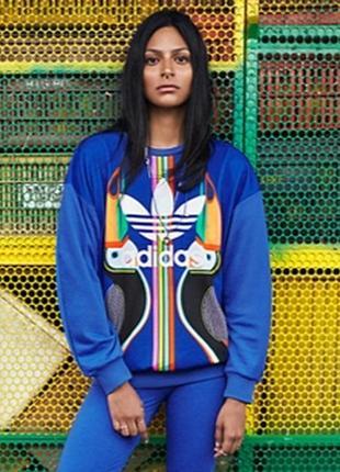 Яркий свитшот реглан от adidas
