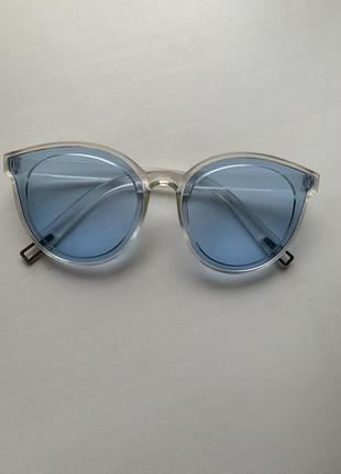 Имиджевые голубенькие очки)