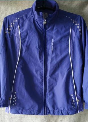 Лёгкая куртка ветровка, спортивная, для прогулок color kids.