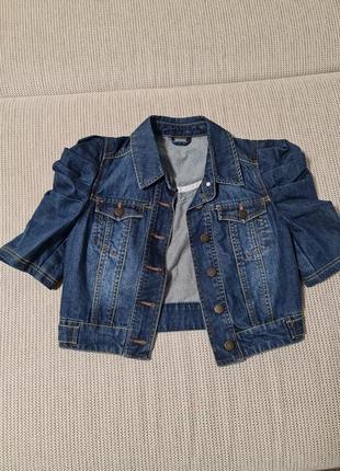 Классный джинсовый пиджак р.s