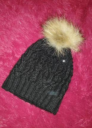 Вязанная зимняя шапка с пайетками
