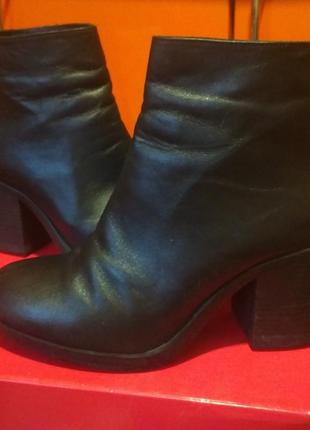 Фирменные ботиночки