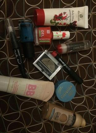 Лот набор косметики,тональный,bb крем,тени,карандаши,подводки maybelline