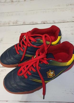 Футбольні кросівки р33