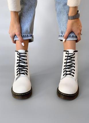 Зимние ботинки dr. martens original 1460 white, белые мартинсы