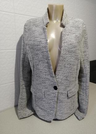 Чудовий трендовий піджак promod
