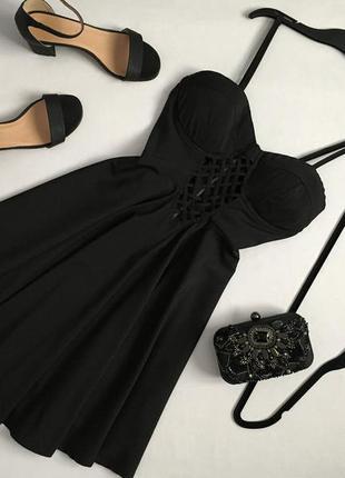 Красивое платье бюстье с переплетом по груди new look