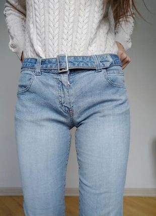 Стильні джинси з поясом