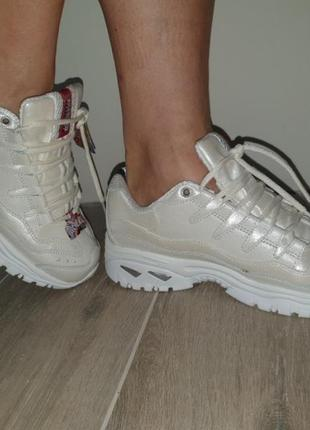 Сникерсы - кроссовки 42 р комбинировано кожей