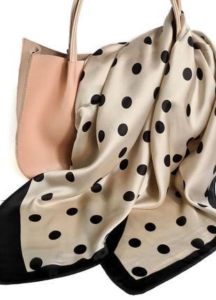 Натуральный шелковый платок в бежевом тоне в черный горох, 70*70см