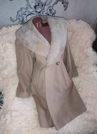 Елегантне пальто