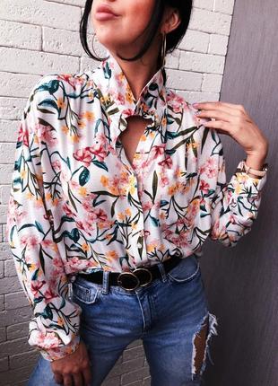 Блуза в цветочный принт удлинённая по спинке
