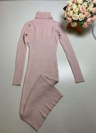 Платье  вязаное по фигуре гольф