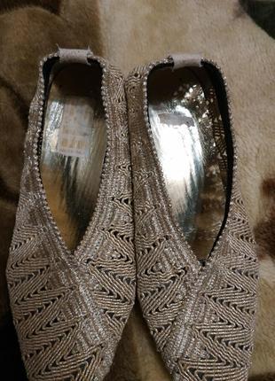 Туфельки  стрейчевые золотистые италия38р.