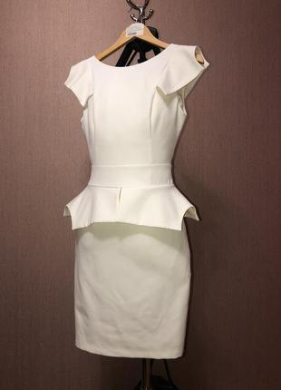 Шикарное нарядное платье белое молоко decolette в стиле karen millen