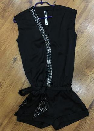Черный комбенизон с шортами