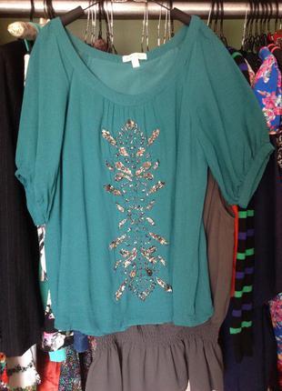 Нарядная блуза с вышивкой стиклярусом