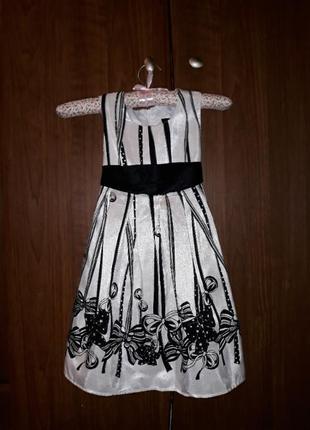Нарядное платье на 2-4 года