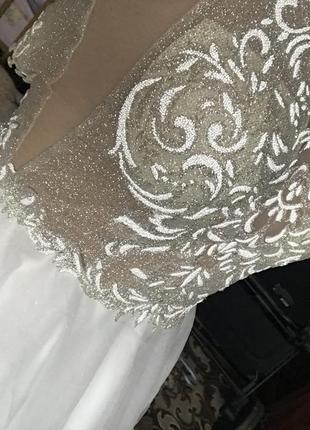 Женское свадебное платье пышное белое  кружево блестящее без рукава сето