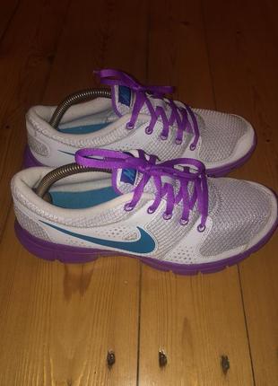 Беговые кроссовки nike adidas asics