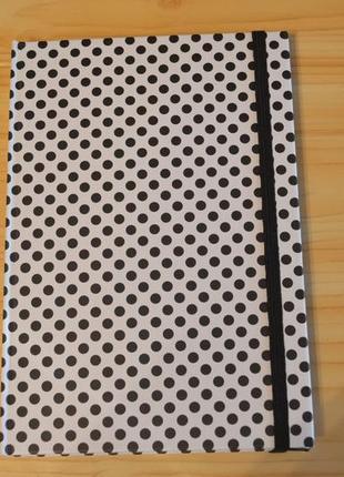 Блокнот на резинке, в клетку 192 листа.