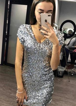 Блестящее мини платье новогоднее в пайетках паетках