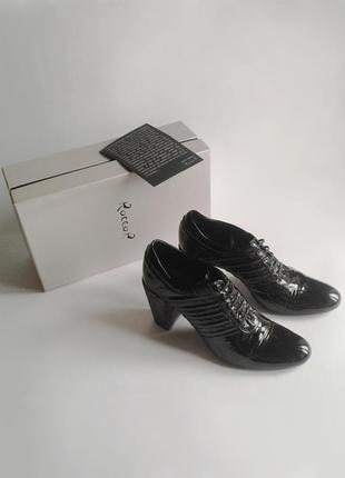 """Роскошные лаковые туфли rocco p._италия_100% оригинал_обувь класса """"люкс""""_41 it"""