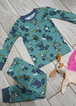Пижама для мальчика 2-3 года carters в рыцари 3т