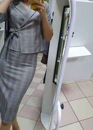 Шикарный деловый юбочный костюм