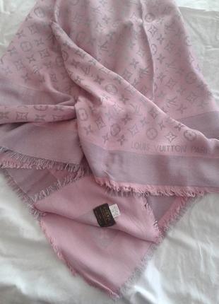 Продам шикарный платок louis vuitton, италия, размер 140 х 140 см
