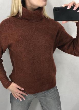 Теплый мягенький свитер с высоким воротом amisu. все размеры.