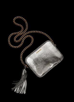 Серебряная сумка  victoria's secret crossbody bag