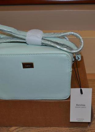 Стильная классная сумка bershka