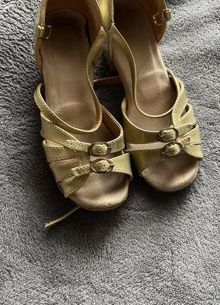 Туфли для танцев р.28