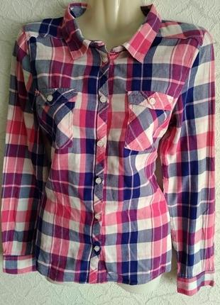 Стильная,актуальная,в клетку рубашка от h&m.