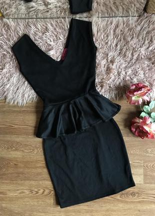 Чёрное платье-мини с баской(xs)