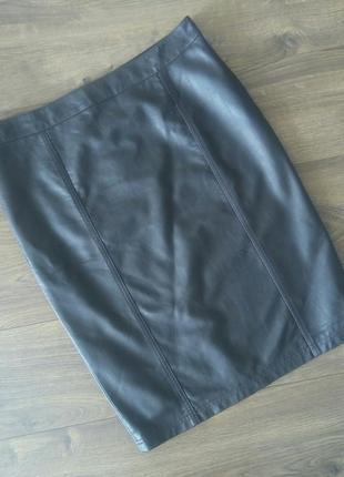 Трендова фірмова коричнева юбка міді під шкіру (next)