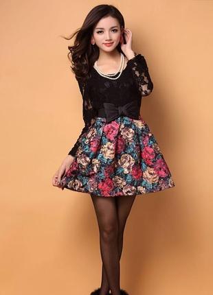 Нарядное  кружевное комбинированное платьице с пышной юбкой  0622 размер с-м