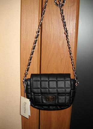 Стильная сумочка bershka
