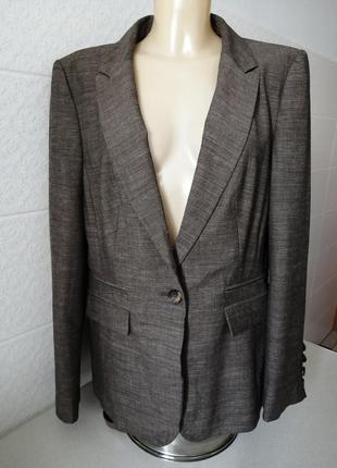 Стильний класичний піджак