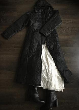 Италия,пальто длинное стеганое,с капюшоном