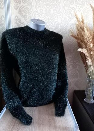 Красивый объёмный свитерок
