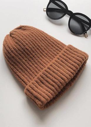 Новая коричневая акриловая шапка in the style
