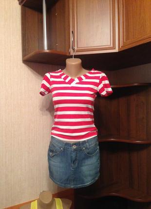 Летняя симпатичная футболка, всегда актуальный принт в полоску, интересный крой