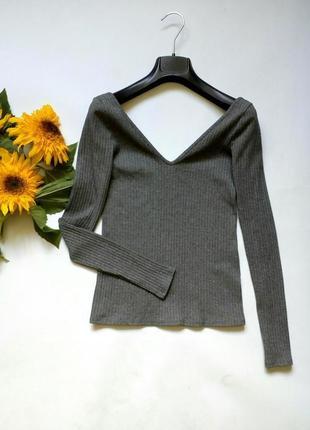Облегающий гольф свитер кофточка с открытым декольте