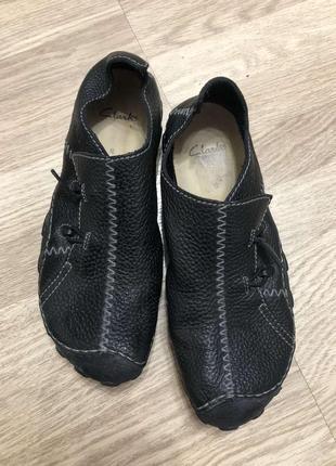 Грубые кожаные туфли clarks