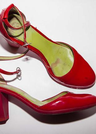 Туфли camper роскошного цвета