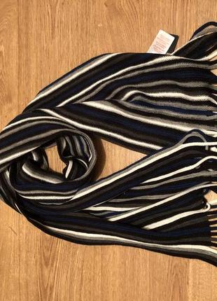 Стильный шарф новый в полоску