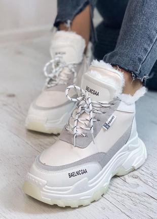Зимние кроссовки белые на меху